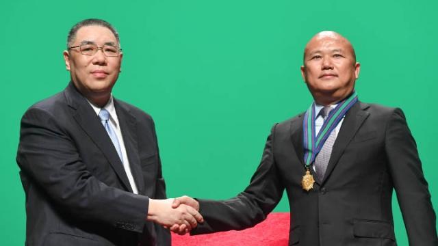 特區政府授勳儀式 表揚四十六人機構