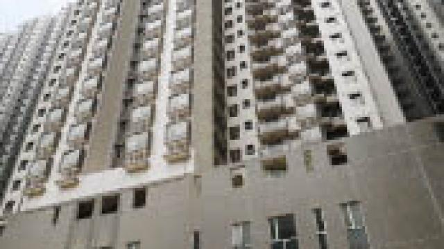 青洲坊大廈防火捲閘 政府決定更換一百樘 其餘保留或磚牆取代