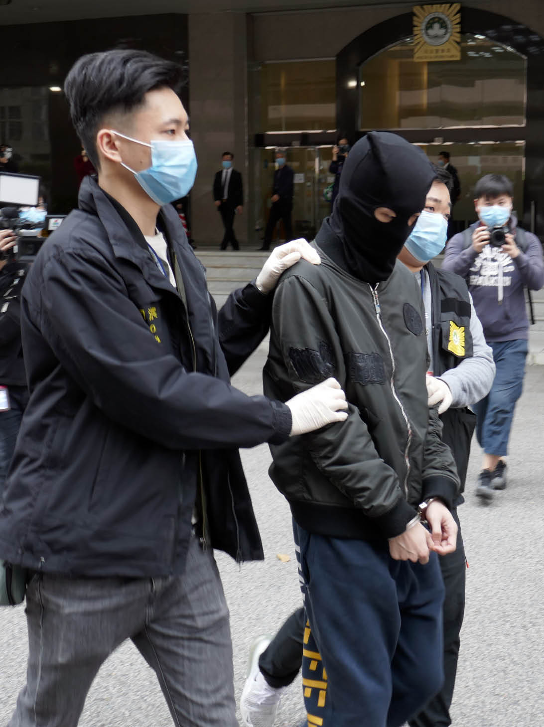 司警拘涉網購口罩詐騙的無業男子.jpg