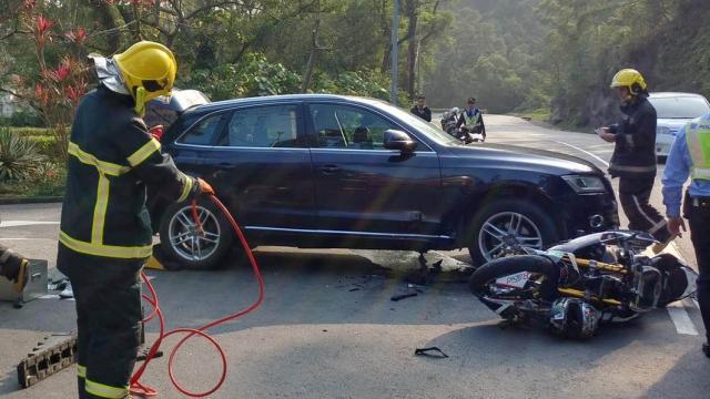 """黑沙嚴重交意新進展 汽車外僱司機無讓先 重傷騎士涉與人""""飛車"""""""