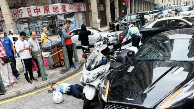 黑沙環中街兩車撞 一交通警手腳受傷