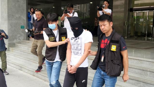 涉用假貨偷龍轉鳳 手飾店職員盜鑽戒 潛逃六年入境被捕