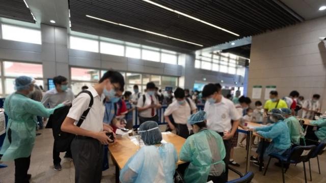 核酸檢測人數眾多衛局優化各項設施