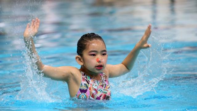 澳門分齡藝術游泳比賽名花有主