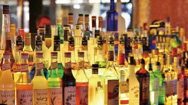 疫情下客少消費欲降_三分一高級餐廳「落閘」_酒吧最慘逾半暫停營業