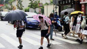 萬六小學生高興回校_首日遇暴雨上半朝堂_料幼兒特教不會復課