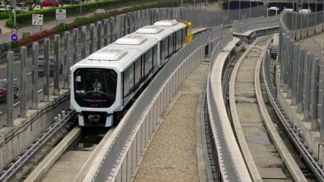 特府與輕軌公司簽約 批給經營維護權十年