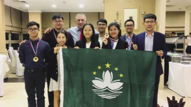 科協組澳生參加國際社科賽喜獲三獎