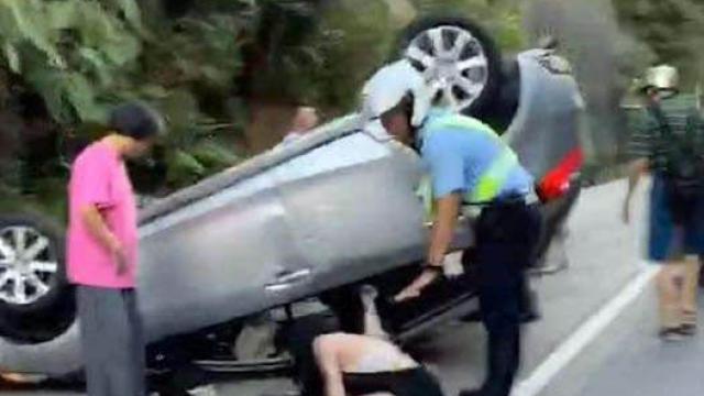 竹灣翻車意外四傷 警揭女子無牌駕駛 同行男友人涉頂包