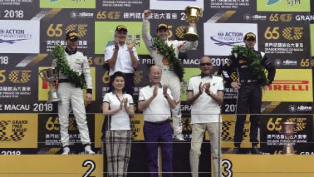 法夫斯勇奪澳博澳門GT盃冠軍