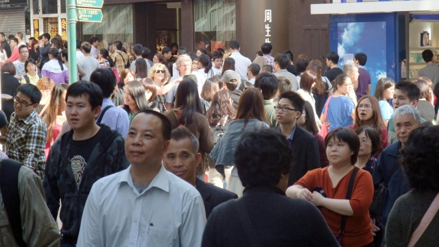 澳人口六十七萬 期末十九萬外僱