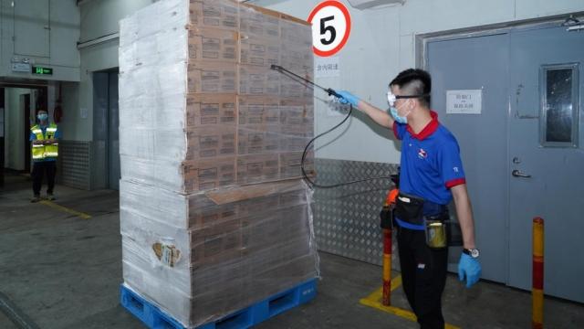 澳嚴守冷鏈食品防疫線 衛檢前須執行包裝消毒
