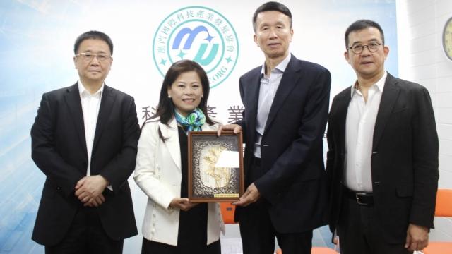 穗政協主席劉悅倫訪澳門國際科協