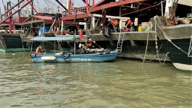 漁船陸續回澳度歲_加強清理海上垃圾