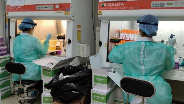 """全民核酸檢測完成_未採樣者轉為""""黃碼""""_疫苗接種站今服工"""