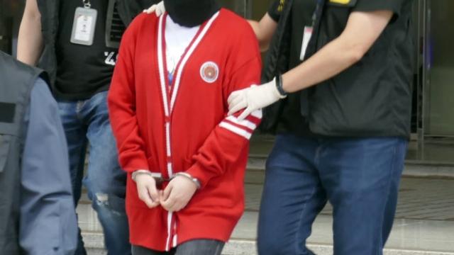 八旬港翁遭退蝦籠 被盜五萬警拘一女