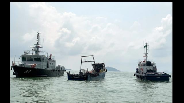 漁船黑沙對開著火沉沒_四人員獲途徑船隻救起